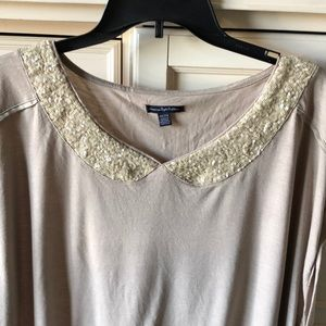 American Eagle outfitters t-shirt/blouse